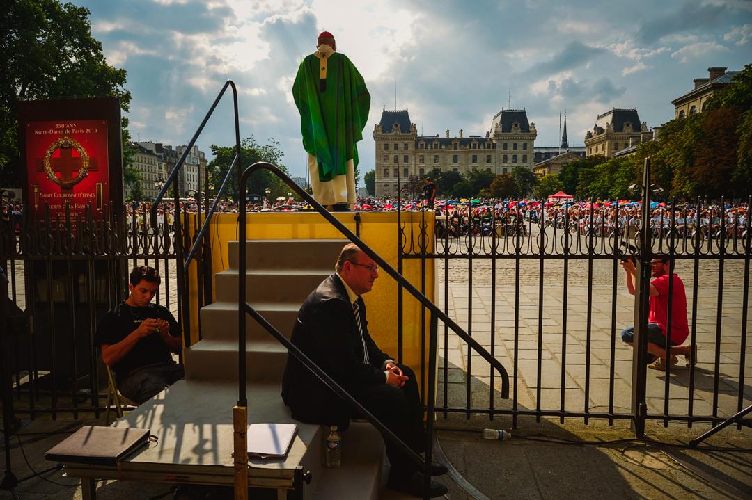 12 juillet 2014 : Mgr André VINGT-TROIS, archevêque de Paris, lors de la messe solennelle de clôture du 39ème congrès international des Pueri Cantores. Cath. Notre-Dame, Paris (75), France.