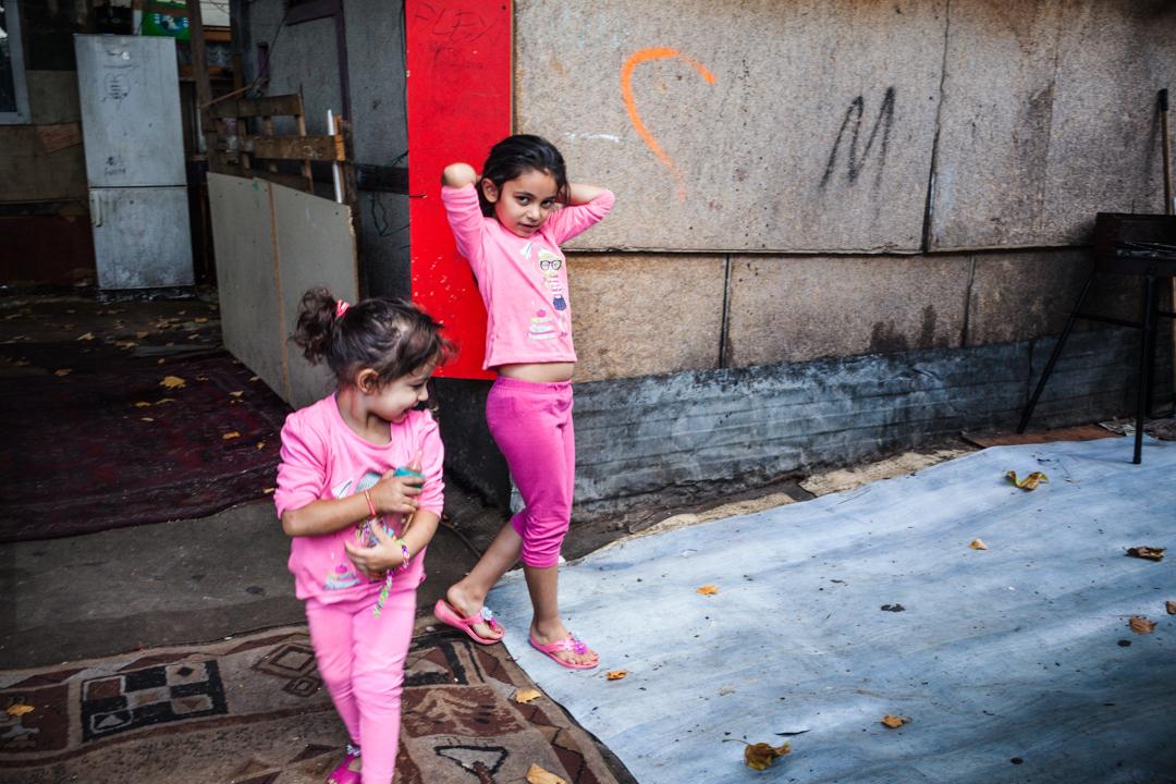 """17 Août 2015 : Une procédure d'évacuation vise le """"Samaritain"""", le plus vieux bidonville de France. Il regroupe 300 Roms et Roumains dont 150 enfants, qui, faute de solution de relogement risquent de se retrouver à la rue. La Courneuve (93), France.  August 17, 2015 : The oldest slum in France called """" The Samaritan """" will be probably evacuated in the next few days. 300 Roma and Romanians , including 150 children , risk to become homeless. La Courneuve (93), France."""